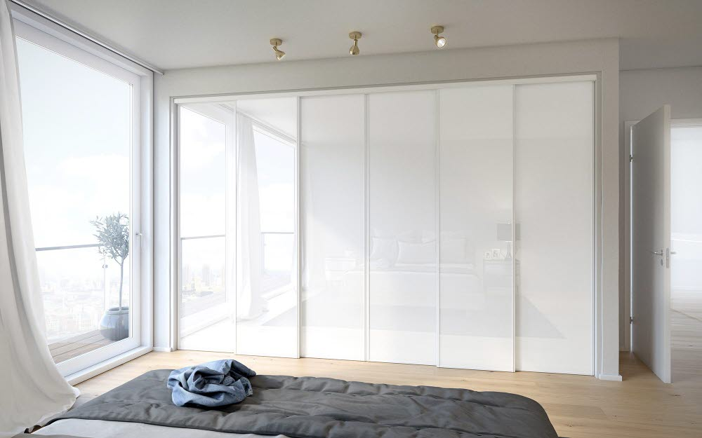Fitted wardrope with sliding doors | HTH